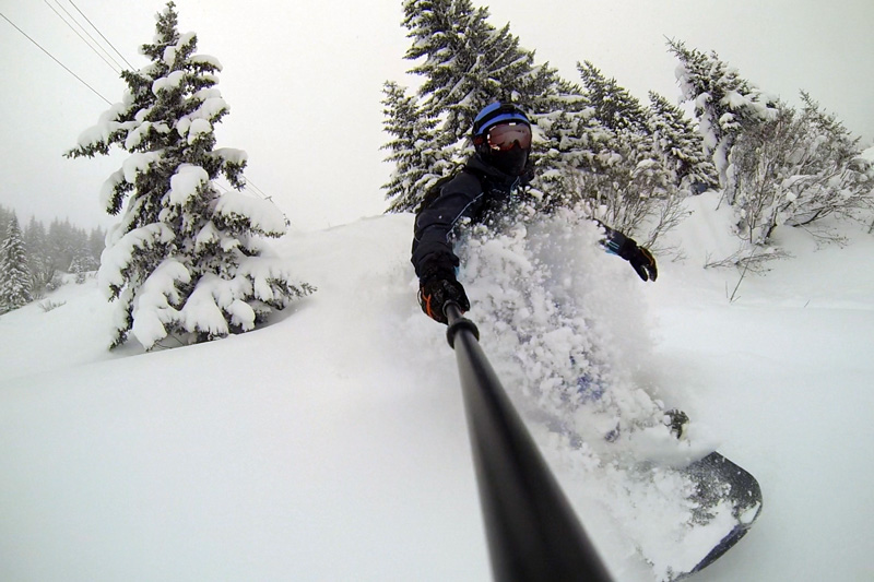 snowboard peuf poudreuse