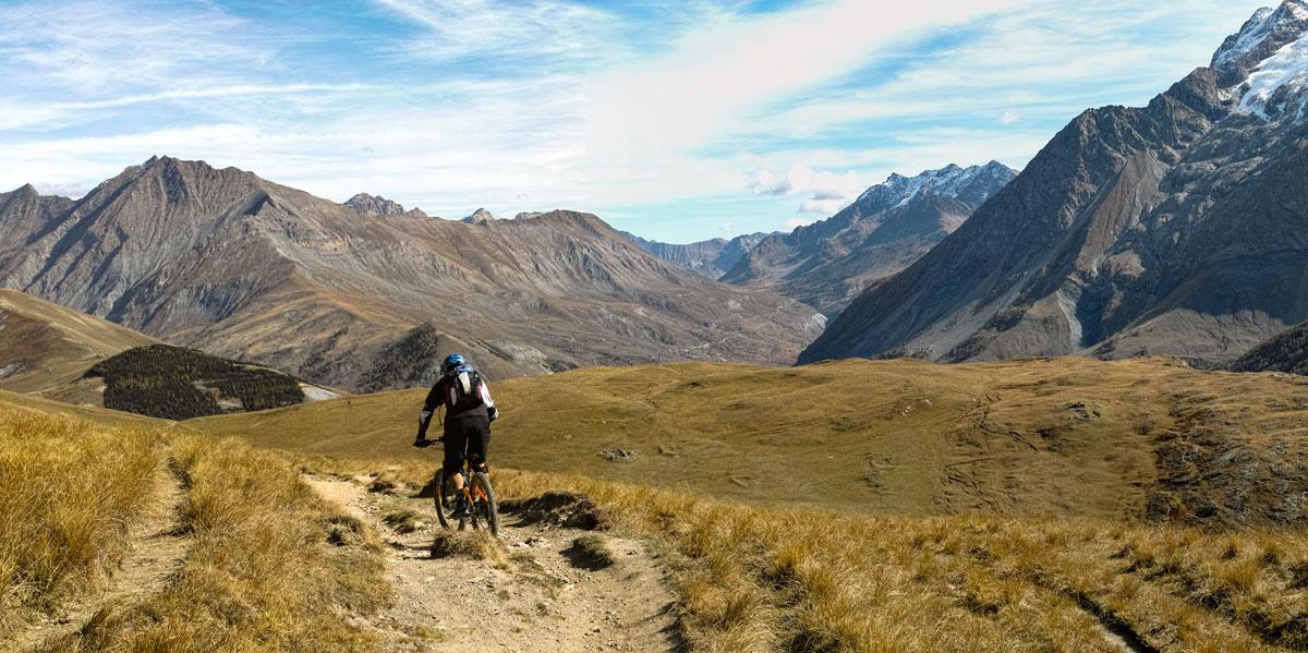 Emparis - Descente vers Chazelet depuis le Col du Souchet