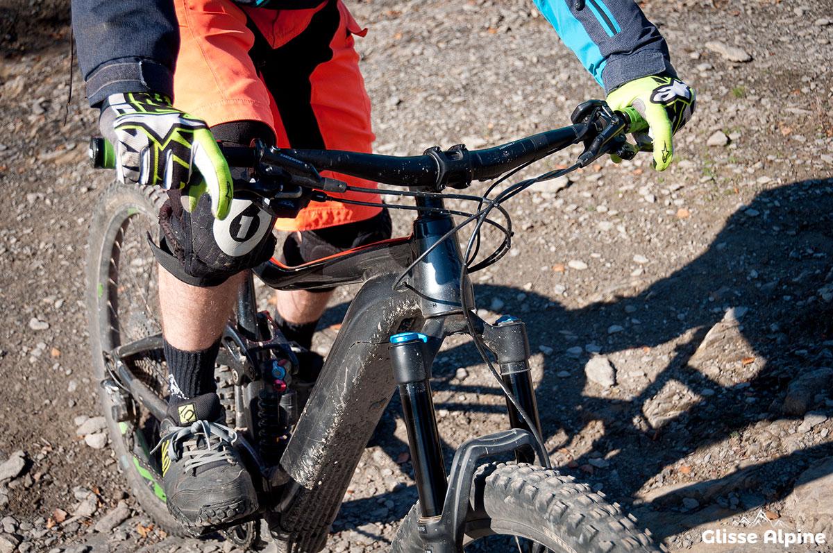 VTT pedaler freiner